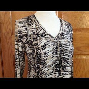 V Neck Knit Blouse Top 3/4 Sleeves Tiger Sz 1 EUC